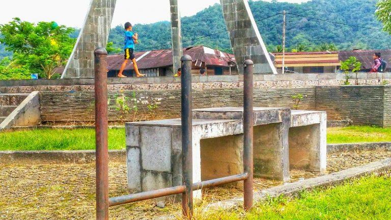 Banyak Tempat Sampah Yang Hilang di RTH Muaralabuh