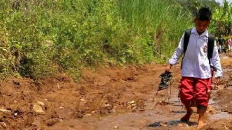 Solsel Kucurkan Rp. 7,8 Miliar Untuk Jalan Tandai