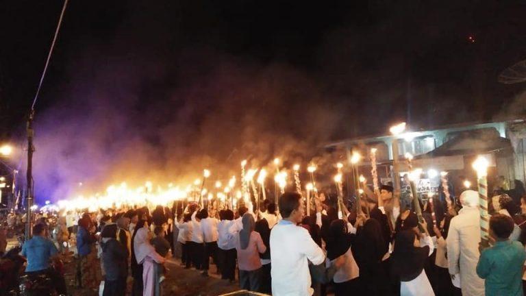 Semarak !!! Pawai Obor Ribuan Santri MDA/TPA di Sangir