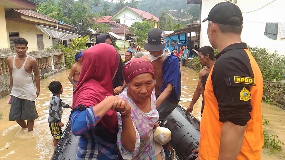 Banjir di Kampung Tarandam Solok selatan