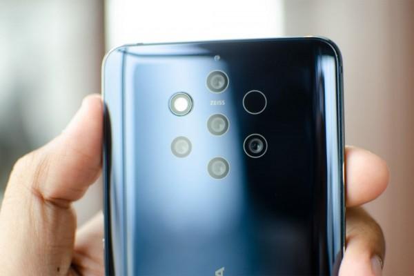 Smartphone dengan kamera terbanyak